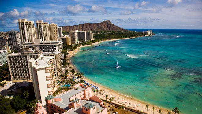 Hawaii's largest metropolitan area is on Oahu. The capital city, Honolulu blends Hawaii's natural beauty with all the modern luxuries of a city.