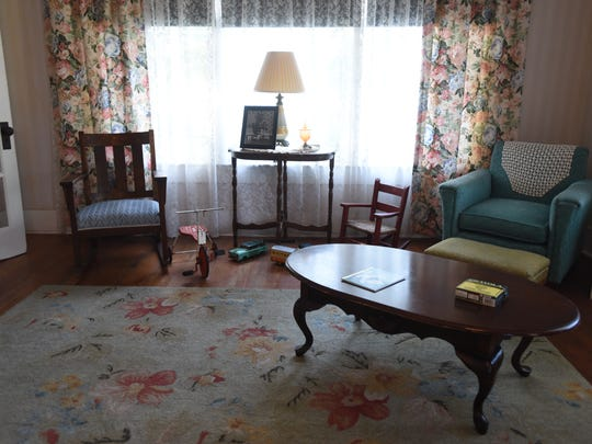 The living room at the President William Jefferson