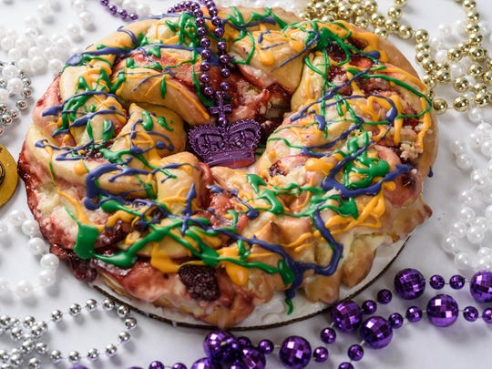 Crystal Weddings king cake
