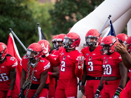 Austin Peay Governors get excited before storming the