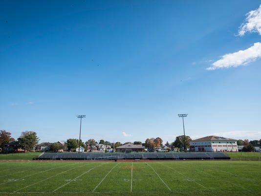 ldn-mkd-102517-palmyra football field-
