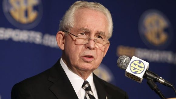 Commissioner Mike Slive announced his plan for retirement