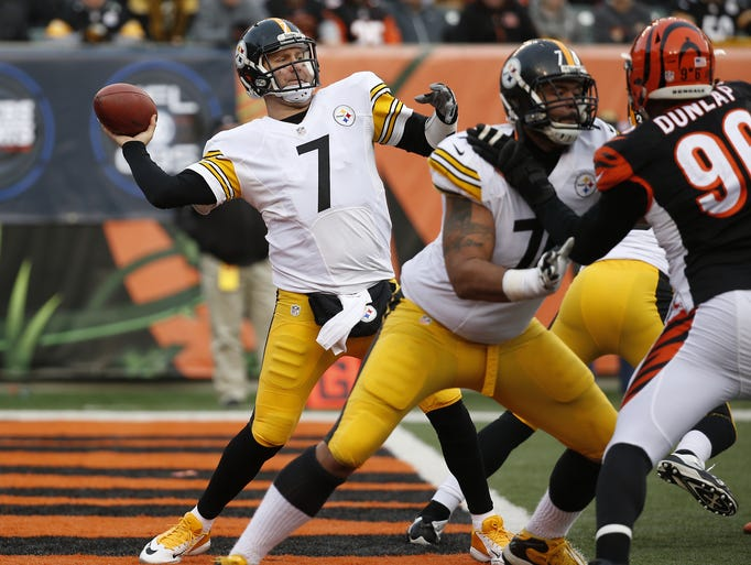 Steelers quarterback Ben Roethlisberger (7) launches