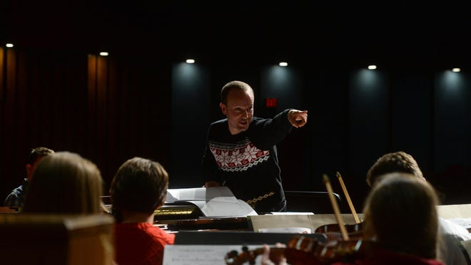 The Steve Olson Orchestra tunes up for Christmas with a free concert Saturday, Nov. 18.