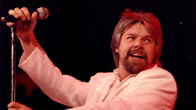 Before The Palace of Auburn Hills opened in 1988, Joe Louis Arena was the largest concert venue in Michigan. Bob Seger performed sold-out shows there in 1987.