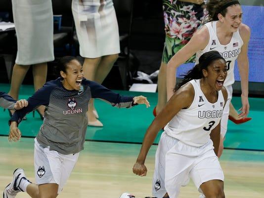APTOPIX NCAA Notre Da_Hord.jpg