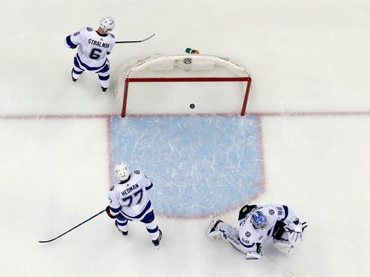 Lightning_Devils_Hockey_33322.jpg