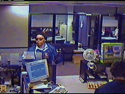 636109421032402520-Xerox-credit-union-robbery.jpg