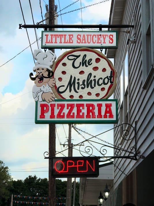 636380479440138525-Little-Saucey-s-Mishicot.jpg