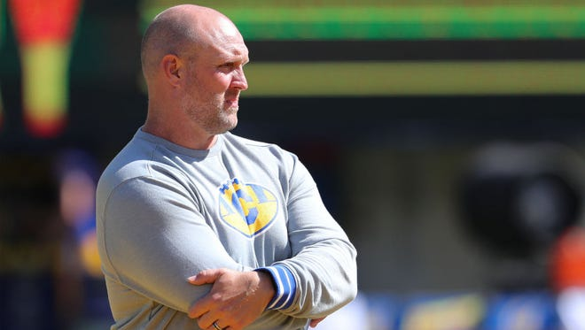 Former Chaparral and Arizona football coach Charlie Ragle coaches special teams for Cal.