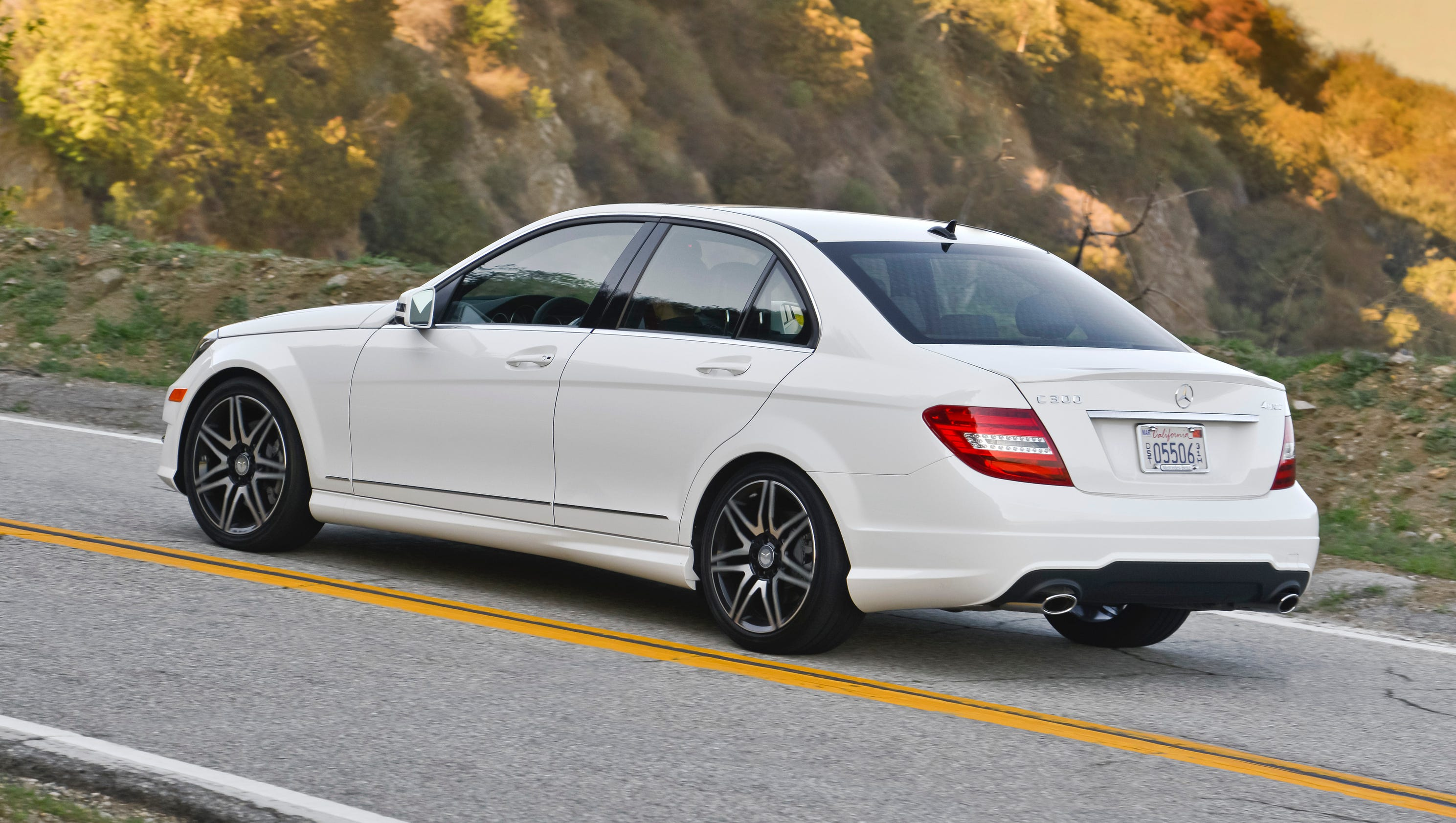Epa forces mercedes benz to revise mpg ratings for Mercedes benz usa jobs