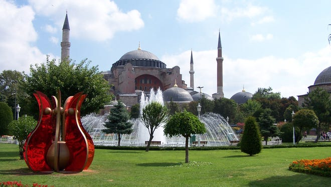 Istanbul was named the top worldwide destination in TripAdvisor's sixth annual Traveler's Choice Destinations.