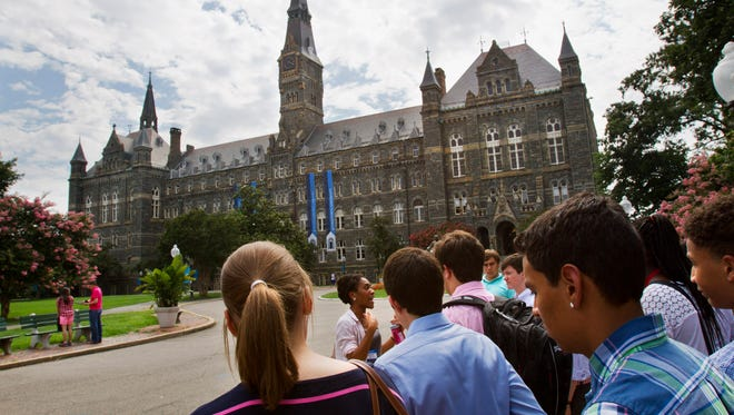 Prospective students tour Georgetown.