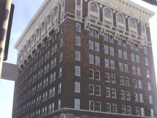 Luhrs Building (1924)