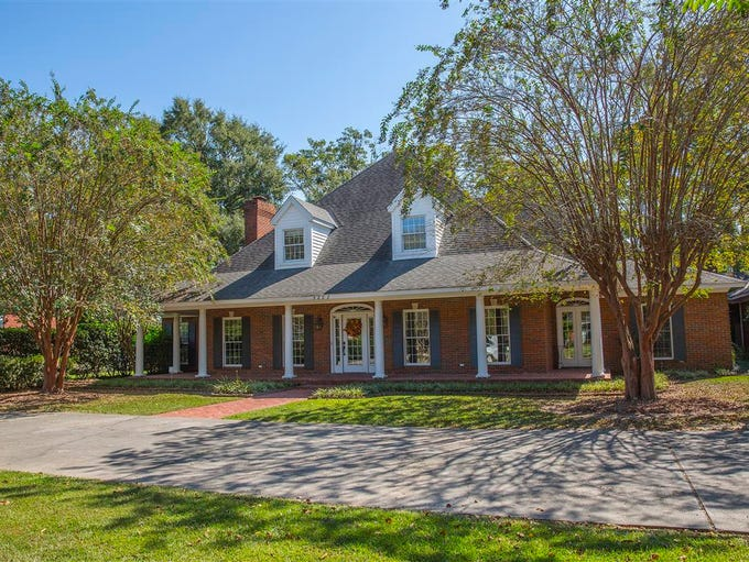 This home at 3202 Lake DeSiard Drive in the River Oaks