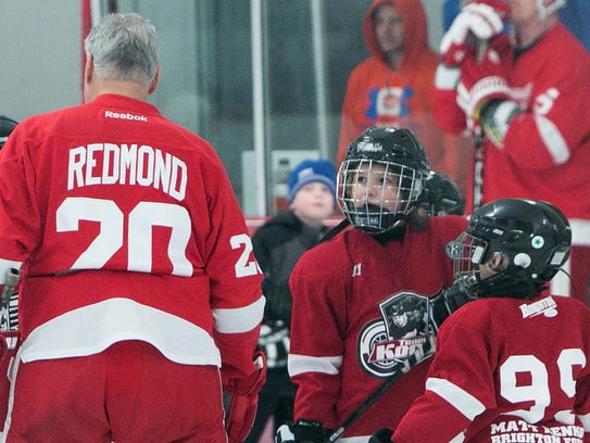 Young local hockey players look up to former Red Wing