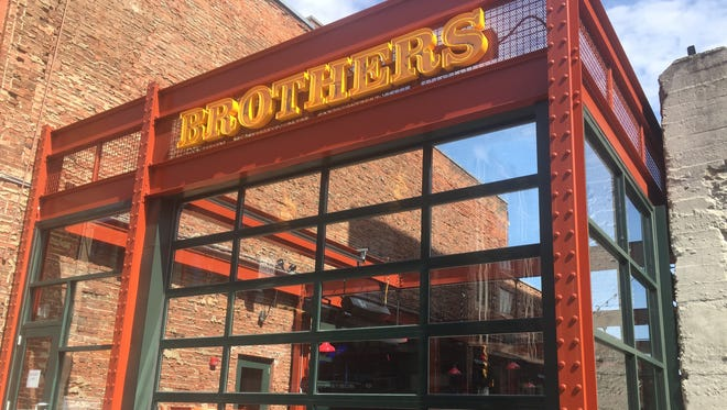 Brothers open-air dining in Downtown Indy.