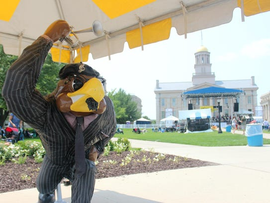 Jazz-themed Herky statues, part of two previous Herky