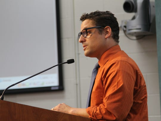 Scott Mazur is president of the Leon County Teachers