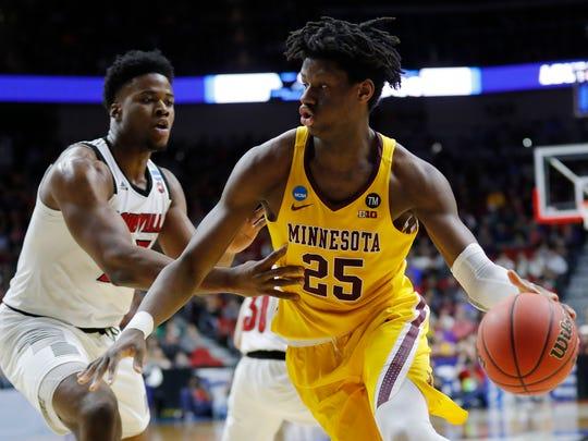 NCAA_Minnesota_Louisville_Basketball_27855.jpg