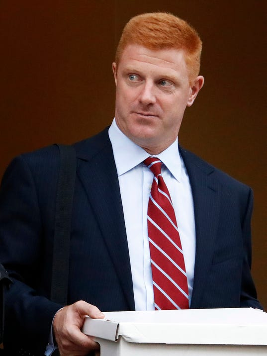 2016-10-27 mike mcqueary