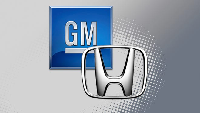 General Motors and Honda are forging an agreement Thursday to jointly develop battery cells and modules as both automaker move toward plans for all-electric vehicles.