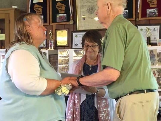 Al and Tessie Micke renew their wedding vows.