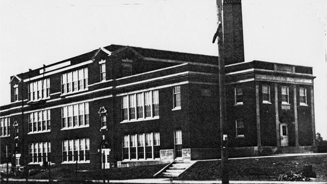 Old black and white shot of the Barnard School's exterior.