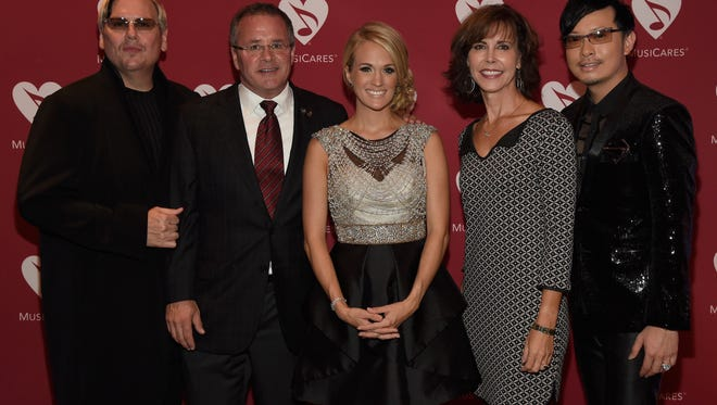 From left, Johnathon Arndt, Pete Fisher, Carrie Underwood, Debbie Carroll and Newman Arndt