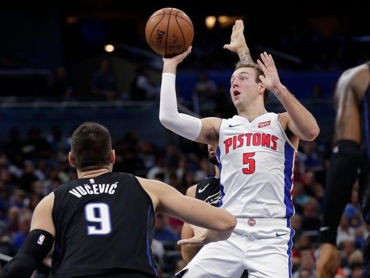 Pistons_Magic_Basketball_47202.jpg