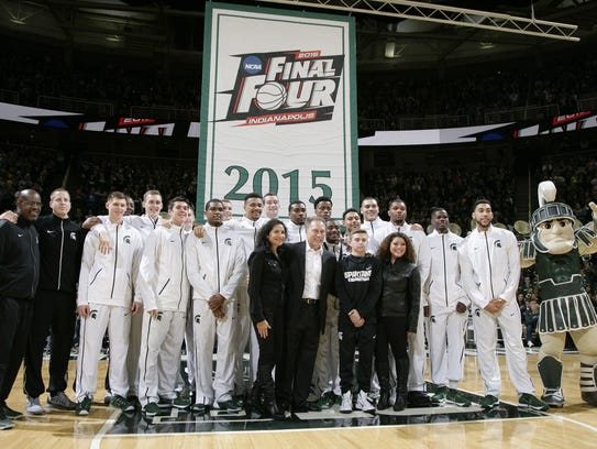 The Michigan State men's basketball team poses with