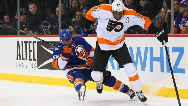 Wayne Simmonds and the Flyers lost 3-1 in their first visit to Barclays Center this season.