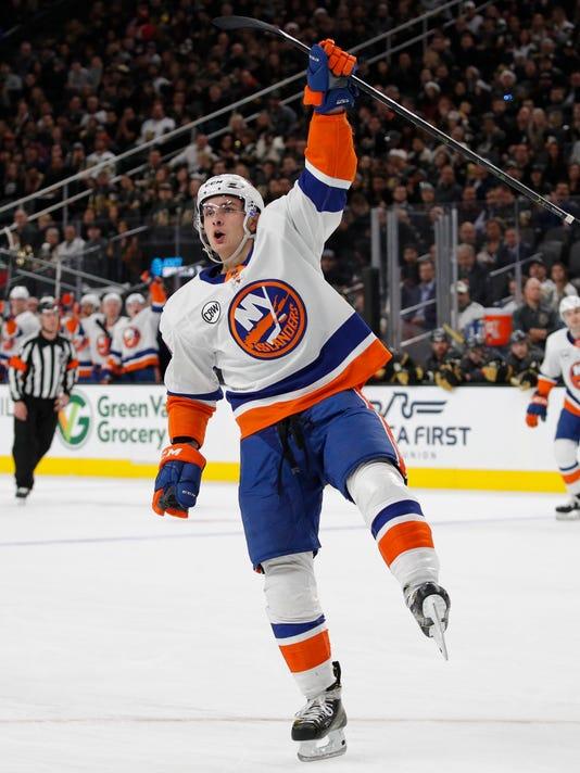 Islanders_Golden_Knights_Hockey_82172.jpg