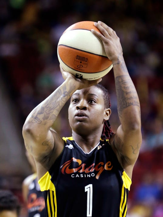 AP-Shock-Storm-Basketball-9-8-13
