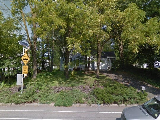 This Google Street View image shows the approximate location of 415 No Beverwyck Road in Parsippany-Troy Hills. The property at this address changed hands in October 2019, when new owners bought the property for $375,000.