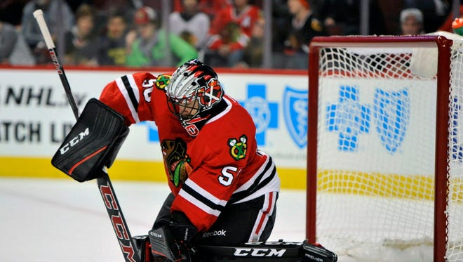 Blackhawks goalie Corey Crawford made 32 saves to earn a shutout against the Kings.