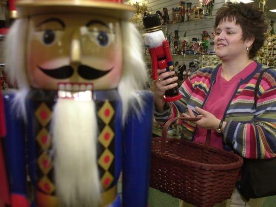 Nov. 21, 2002: Brenda Hand of Medina picked out a Christmas