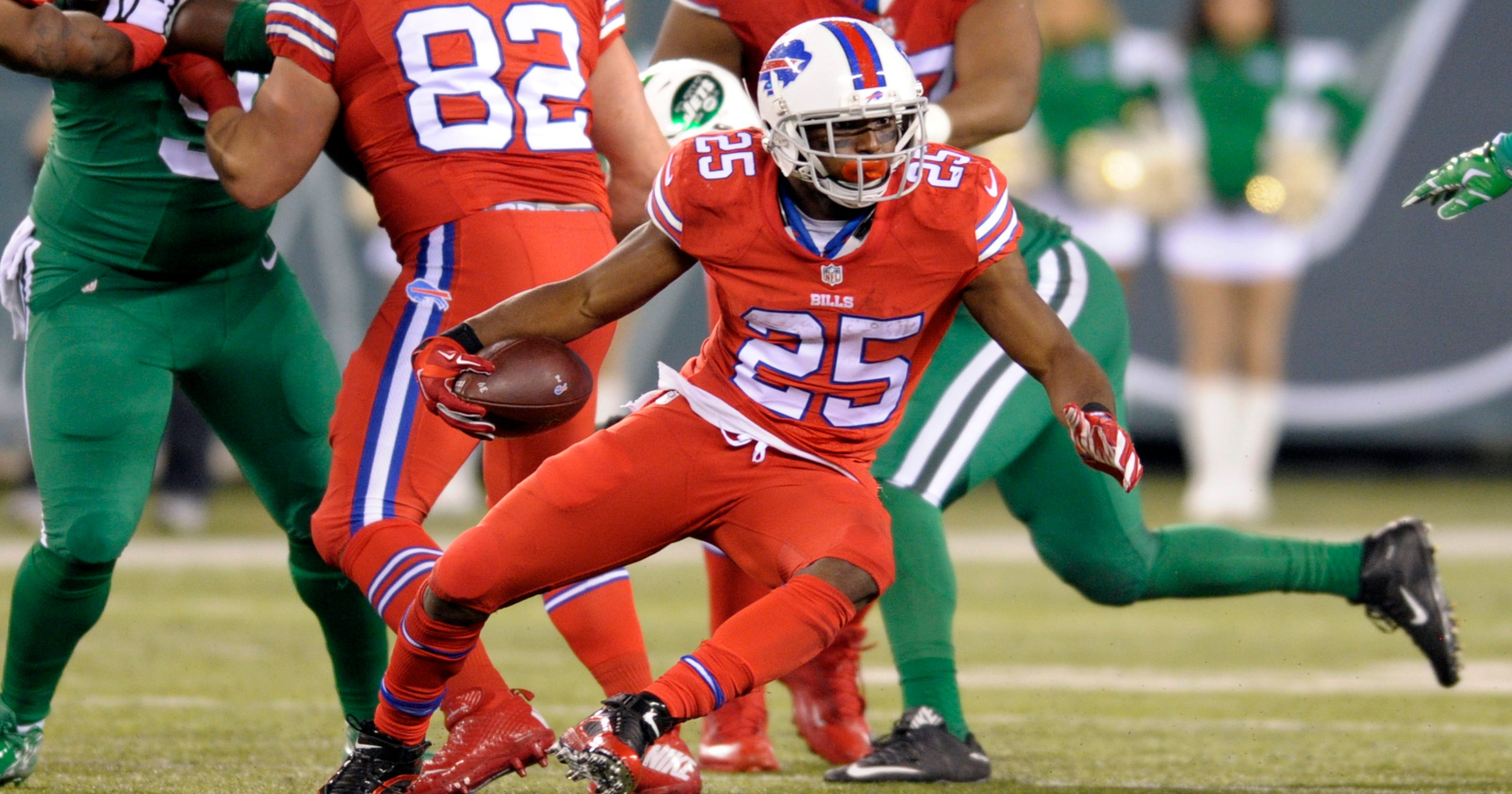 The real McCoy  Healthy LeSean shreds Jets  defense 29772579d