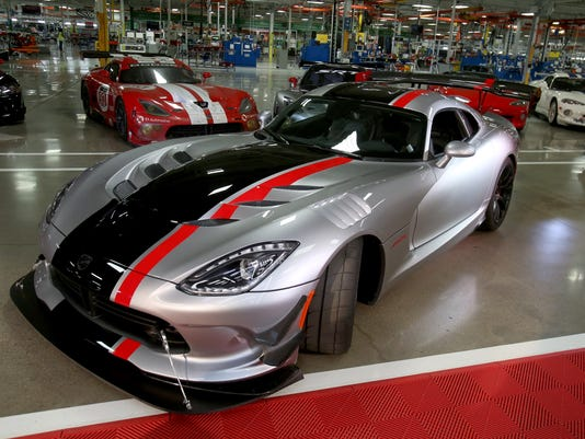 2016 Dodge Viper ACR is fastest street-legal Viper ever developed