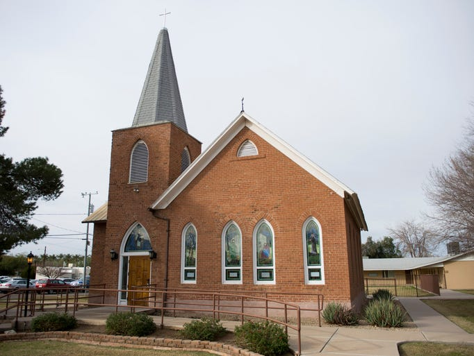 The exterior of First Presbyterian Church of Peoria