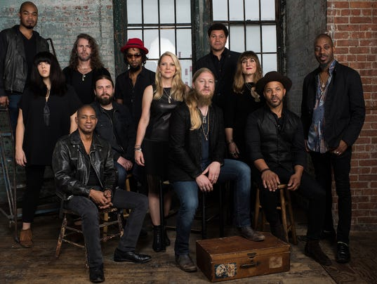 636419428300610095-Tedeschi-Trucks-Band-Photo-Credit-Tedeschi-Trucks-Band-Band-General-2.jpg