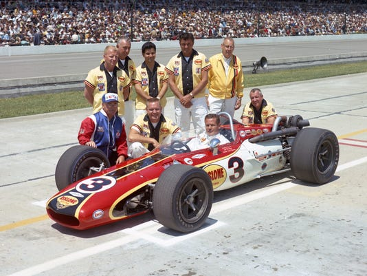 636627855835163174-1968-Bobby-Unser-car-3-and-Crew-Qual.jpg