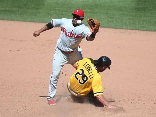 Pittsburgh Pirates catcher Francisco Cervelli (29)