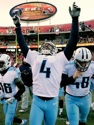 Titans kicker Ryan Succop (4) celebrates after making the winning field goal as time expired Sunday.