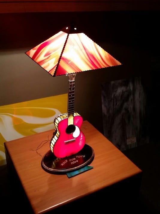 guitar-lamp.JPG