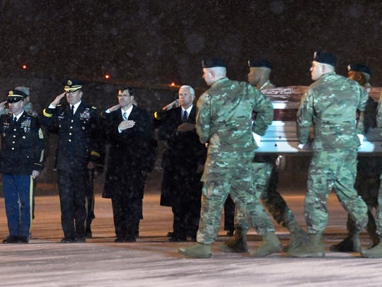 From left, Sgt. Maj. of the Army Daniel A. Dailey,