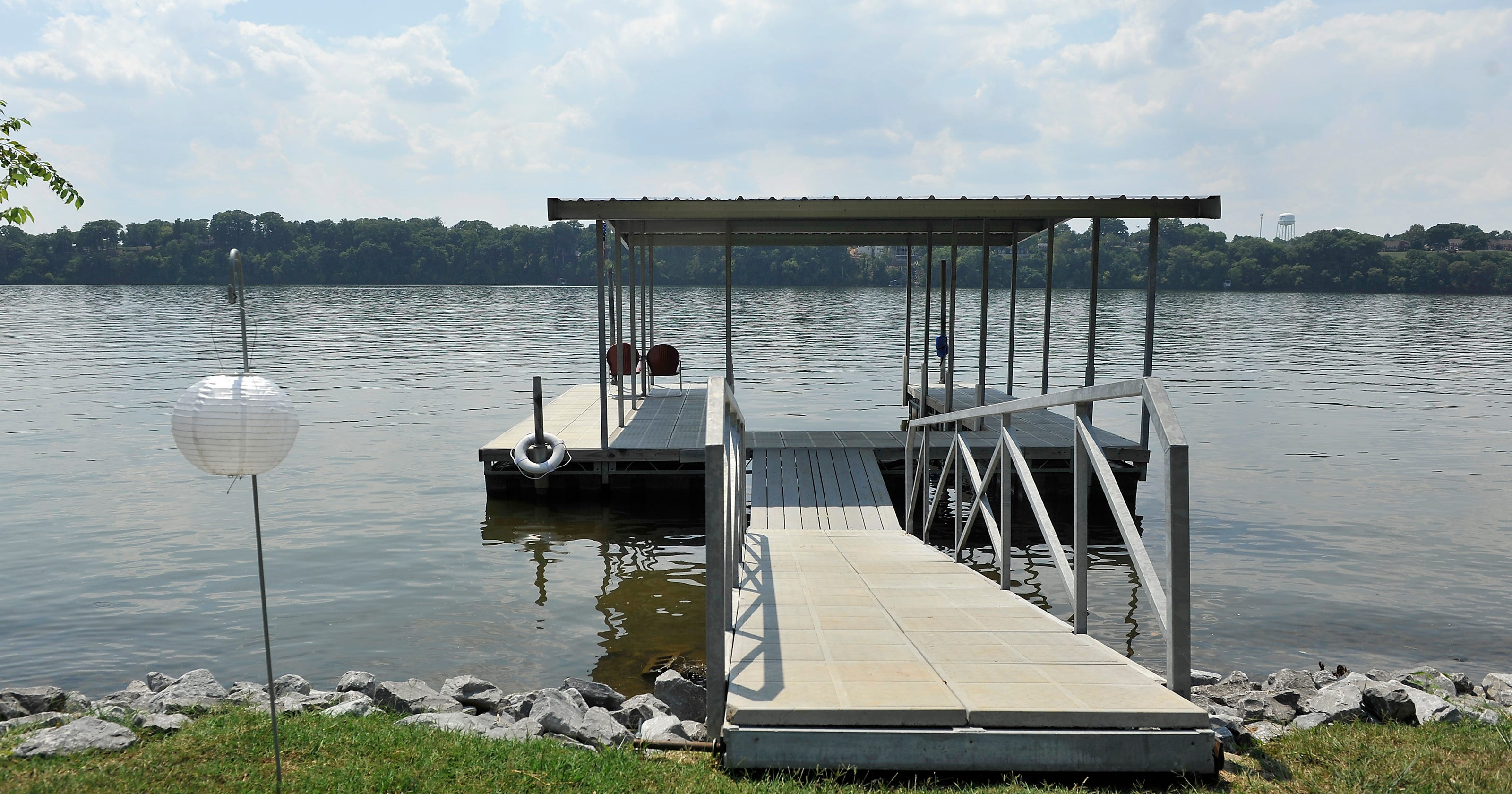 Old Hickory Lake lures homebuyers wanting private dock