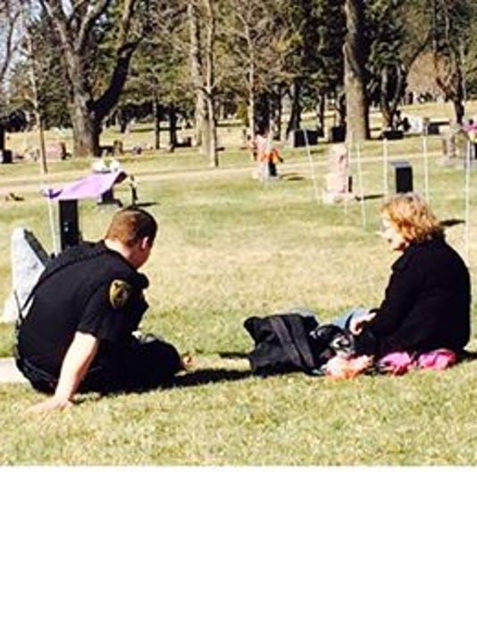 Police officer talks about helping grieving mom