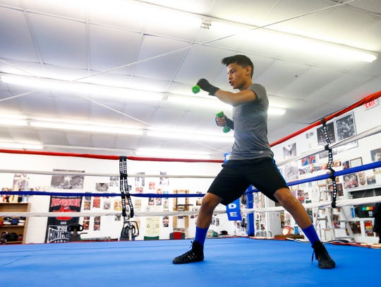 Luis Velasquez, 14, trains at SmittyÕs Midwest Boxing