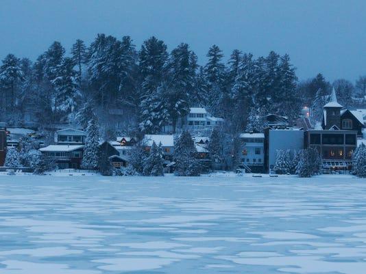 Travel Trip Lake Plac_Youn.jpg